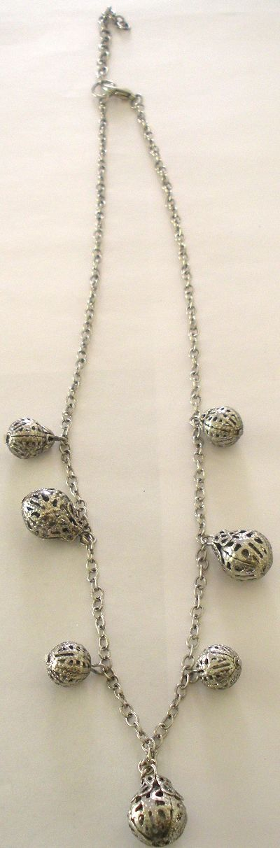 snazzy jazzy - SILVER CHIMES NECKLACE