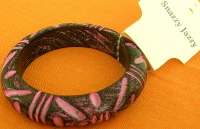 snazzy jazzy - VIOLET PINK WOODEN BANGLE
