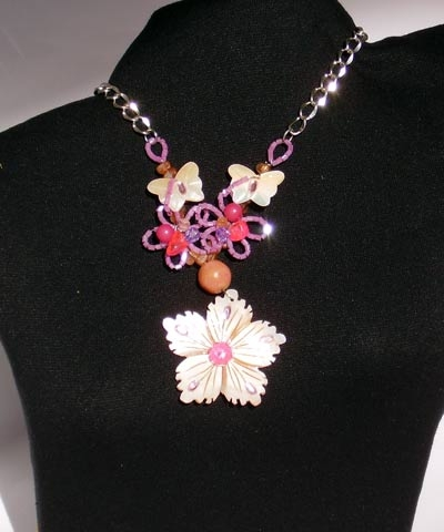 josephine's jewels - PINK BEAD SHELL NECKLACE
