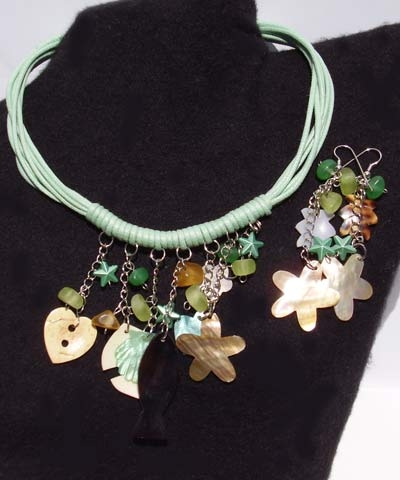 josephine's jewels - GREEN SHELL NECKLACE AND EARRING SET