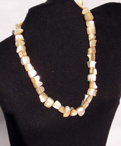 josephine's jewels - MOTHER OF PEARL NECKLACE